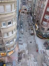 La rotura de una línea subterránea de 12 kV por las obras de Lealtad deja sin luz a 750 clientes del centro de Santander