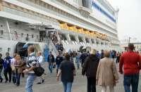 Evacuado el jefe de máquinas del crucero Aidacara cuando se encontraba a 94 millas de Santander
