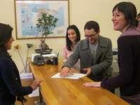 Libera entrega 42.000 firmas en el registro del Parlamento de Galicia en contra del uso de cepos en caballos