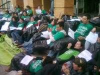 Profesores interinos inician asambleas para retomar en mayo las movilizaciones en protesta por los recortes