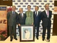 La periodista y presentadora Raquel Sánchez Silva recoge el Premio a la Excelencia Picota del Jerte 2013