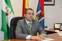 El alcalde de Los Palacios eleva a la Fiscalía el caso de los trajes de flamenca