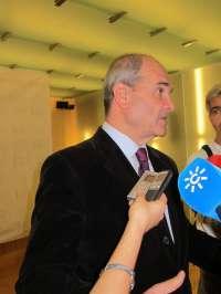 Chaves dice, sobre informe de la CE, que el Gobierno