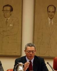 IU exige que Gallardón explique por qué la Abogacía del Estado ejerce de