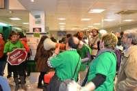 La PAH de Girona consigue una dación en pago tras ocupar cinco horas una oficina de Bankia