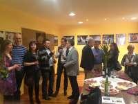 Emilio del Río visita en Tudelilla la exposición fotográfica 'Folclore de La Rioja'