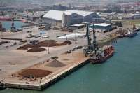 CCOO y UGT convocan a partir de hoy una huelga de cinco días en las empresas consignatarias del Puerto