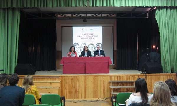Nueve centros de CyL, Alicante, Ferrol y Pamplona intercambian experiencias sobre lucha contra la pobreza en Valladolid