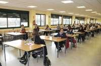 Moreno asegura que las tasas de las oposiciones del profesorado no sufragan