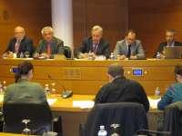 Ausbanc acusa a políticos y sindicatos de