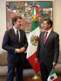 Feijóo y Peña Nieto negocian más contratos este semestre con Pemex, que estudia entrar en el accionariado de astilleros