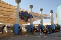 Caixabank y Looping Group cierran este miércoles en Barcelona la venta de Isla Mágica