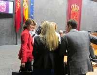 El pleno del Parlamento de Navarra debate este jueves la moción de censura contra Yolanda Barcina