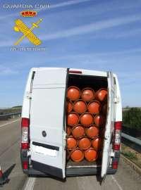 Detenidos dos jóvenes por robar 446 bombonas de gas butano en un almacén de Mansilla de las Mulas (León)