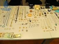 Detenidas dos asistentas de hogar que aprovechaban el fallecimiento de los ancianos para robarles joyas