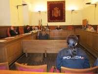 Condenada a 12 años de prisión por matar al hombre que la acogió y agredir a su esposa