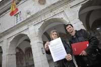 CC.OO. registra en el Parlamento su petición de reparación de las deficiencias en el Hospital Tres Mares