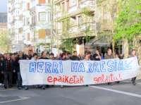 Miles de personas marchan en San Sebastián contra la detención de jóvenes de Segi y por el fin de juicios