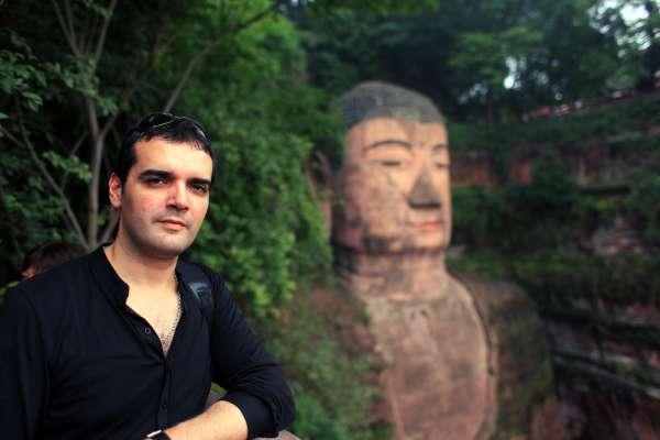 Roberto F. Canuto, gijonés residente en China: