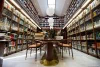 La biblioteca del Parlamento de Extremadura cuenta con un fondo especializado de casi 20.000 títulos