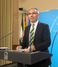 Junta comparte la aspiración de Valderas de lograr hasta un dos por ciento de déficit, pero se remite a la negociación