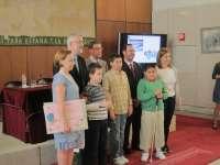 Ávila respeta la decisión de Pastrana, valora su