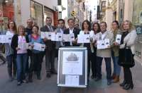 Una veintena de comercios participan en una campaña para incentivar las compras en el centro histórico