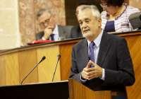 Griñán pide respeto al dictamen del Consejo de Estado que avala EpC y la educación mixta