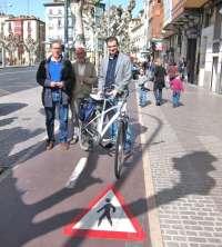 Sensibilización, revisión de sistema de alquiler y dos paradas adelantadas en semáforos promoverán la bici en Logroño
