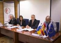 La consejera canaria de Sanidad destaca que las islas son un referente en coordinación de urgencias para África