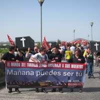 Veinticinco ataúdes recorren las calles de Mérida en recuerdo a los fallecidos en accidente laboral en 2012