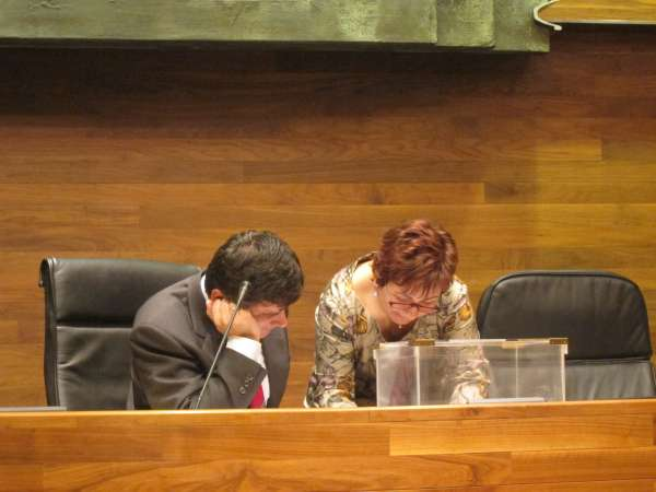 La equivocación del presidente asturiano al votar en el Pleno provoca una nueva queja del PP