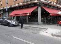 El Ayuntamiento Toledo instala rampas en zonas de aparcamiento para minusválidos del barrio de Santa Teresa