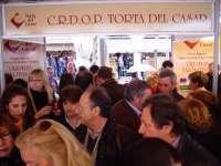La Torta del Casar mostrará sus bondades gastronómicas en la Feria del Queso de Trujillo con degustaciones