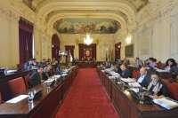 PP aprueba en solitario instar a la Junta a que respete el convenio del metro y rechaza el trazado en superficie