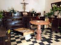Roban en Montefrío la corona y el manto de la Virgen de la Soledad, que data del siglo XVIII