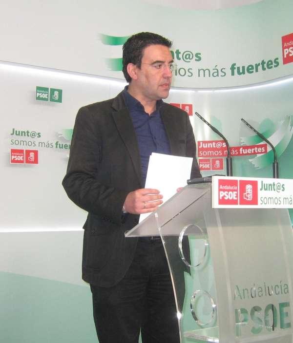 PSOE-A, que ve motivos para estudiar la constitucionalidad de la Lomce, reclama al Gobierno diálogo y acuerdo