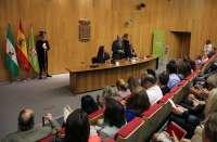 Diputación reconoce la trayectoria de su personal jubilado y trabajadores con 25 años de servicio