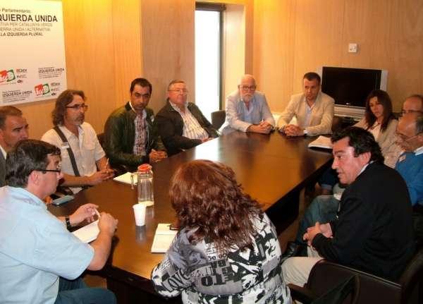 PSOE e IU piden a Arias Cañete un