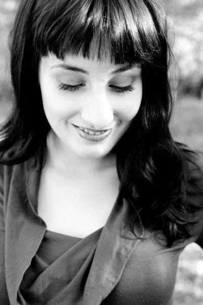 La escritora Jimina Sabadú ofrecerá este jueves en Pamplona pautas sobre cómo sacar adelante una primera novela
