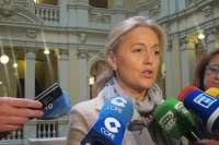 Coto recuerda que Cascos comparecía en el parlamento a petición propia y Javier Fernández lo hace por obligación