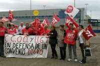 Delegados de UGT y CCOO se concentran en Tudela en defensa del convenio estatal de Mataderos, Aves y Conejos