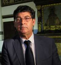 Valderas critica que Rajoy presente una reforma de las administraciones