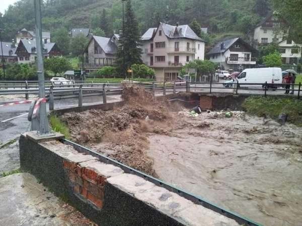 Cierran los accesos a los parques naturales de Alt Àneu y Aigüestortes por la lluvia