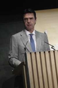 La reforma energética incluirá medidas para bajar el precio de producción de las renovables en las islas