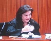 La acusación lamenta que Ruth hable con