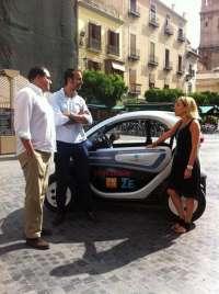 'Mi ciudad inteligente' visita Murcia para concienciar sobre el uso del vehículo eléctrico
