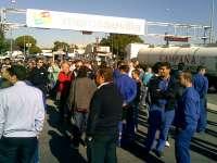 La plantilla de Mercasevilla acuerda huelgas, encierros y marchas a pie y en bici contra los 115 despidos