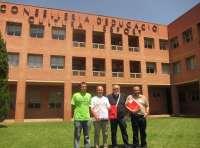 Escola Valenciana pide a Català que agilice la publicación de la orden para la catalogación en valenciano en Secundaria