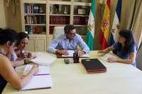 Gutiérrez Limones ofrece a la Asociación de Educación Especial su participación en el Proyecto Apolo